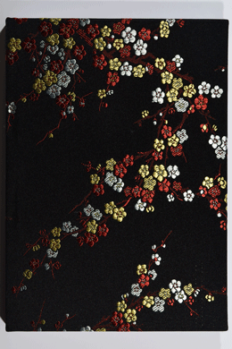 Notizbuch handgemacht <br>silky black cherry blossoms